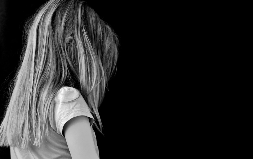 Семьи школьниц благополучные, сами подростки в поле зрения служб защиты детей и полиции не попадали.