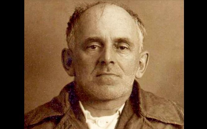 Мандельштам после ареста в 1938 году. Фотография НКВД.