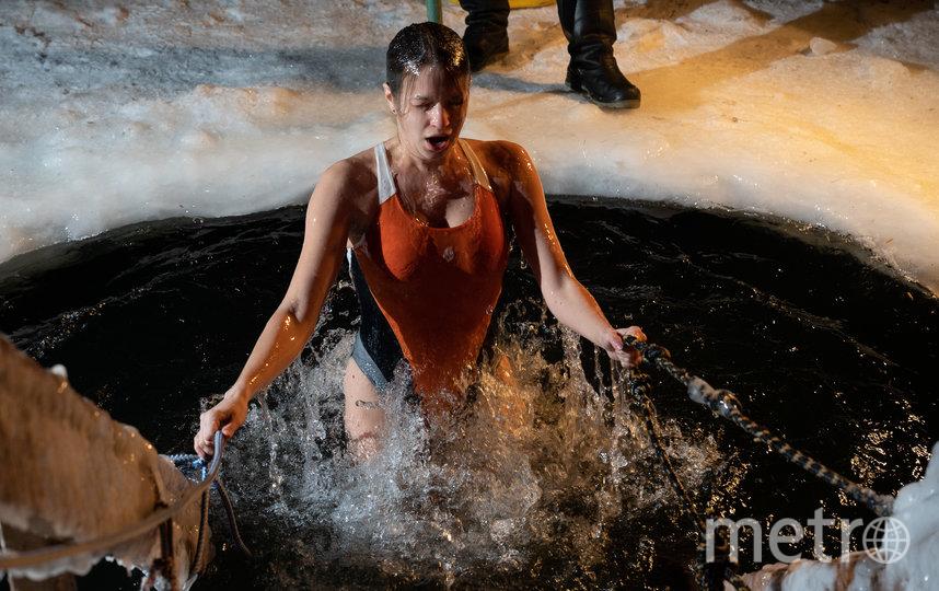 "Крещение в Озерках. 2021 год. Фото Святослав Акимов, ""Metro"""