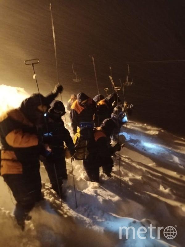 В результате схода лавины погиб человек. Фото 09.mchs.gov.ru.
