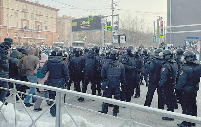 Протестующие обходили оцепление по второстепенным улицам. Фото Ольга Пастухова