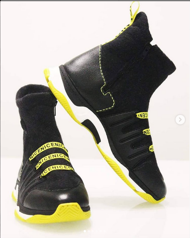 Свалять можно кроссовки, ботфорты и сумки. Фото https://www.instagram.com/marmaruni777/