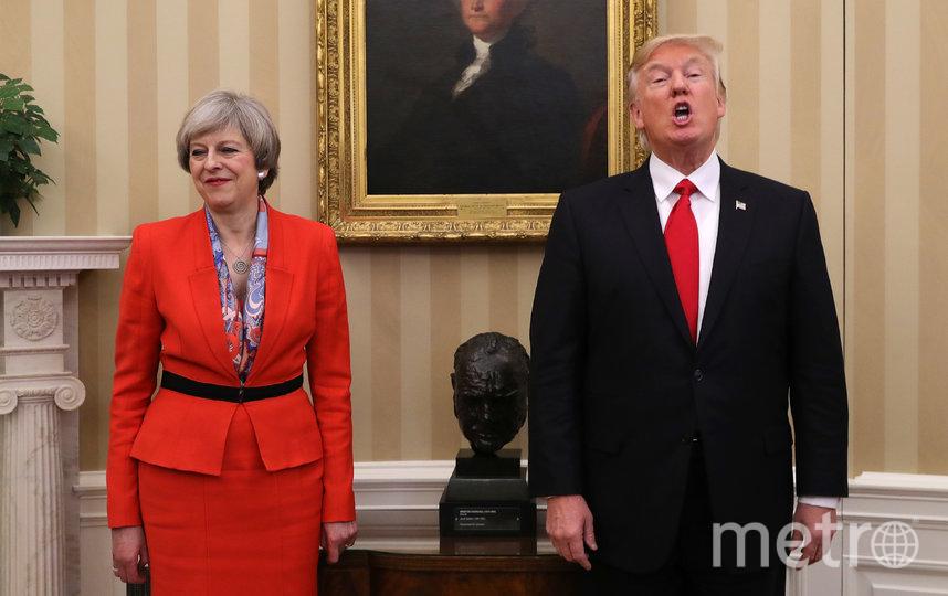Бюст Черчилля, который стоял в кабинете при Трампе, убрали. Фото Getty