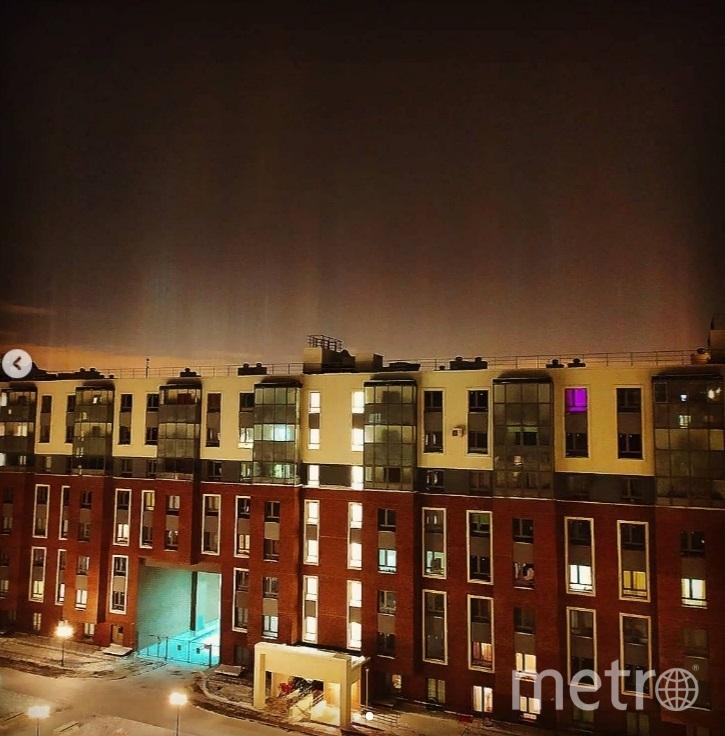 Над Петербургом заметили световые столбы. Фото dinatoktobekova.