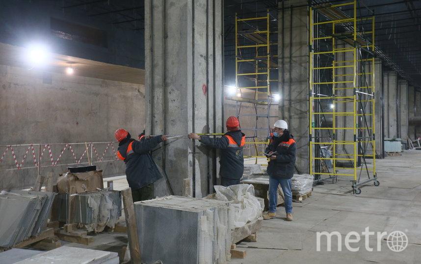 """Отделочные работы на станции """"Зюзино"""" уже начались. Фото Василий Кузьмичёнок"""