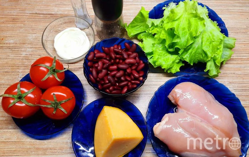 """Салат с куриным филе и фасолью. Фото Зинаида Белова, """"Metro"""""""
