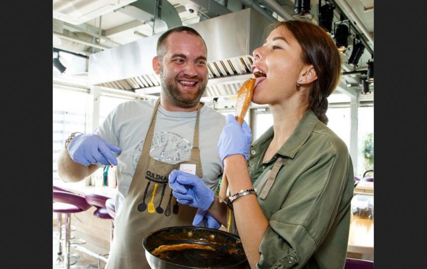 На кулинарных мастер-классах бывает очень весело – ну и очень вкусно по умолчанию. Фото https://www.instagram.com/culinary_on/