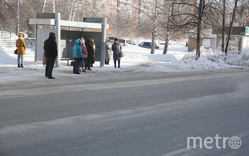 Мэр Новосибирска Анатолий Локоть уточнил, что, если дорожники также эффективно будут справляться со своими обязанностями и в течение всего года, опыт будут внедрять на всей территории города. Фото пресс-центр Мэрии Новосибирска