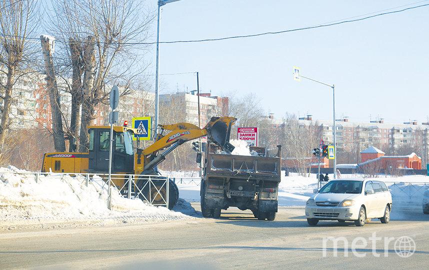 В Советском районе с задачей по уборке улиц в условиях авральной работы справились лучше, чем на других территориях. Фото пресс-центр Мэрии Новосибирска