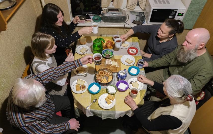 """Каждая встреча в семейном кругу – это маленький праздник. Фото Алена Бобрович, """"Metro"""""""