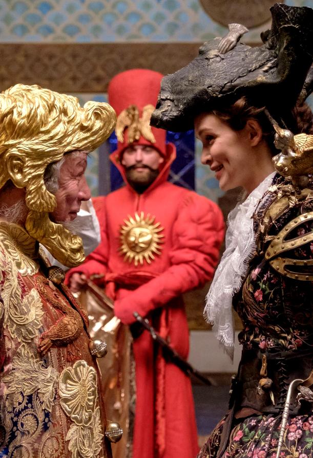 """Каждый костюм художники украсили ручной вышивкой. Фото Алена Бобрович, """"Metro"""""""