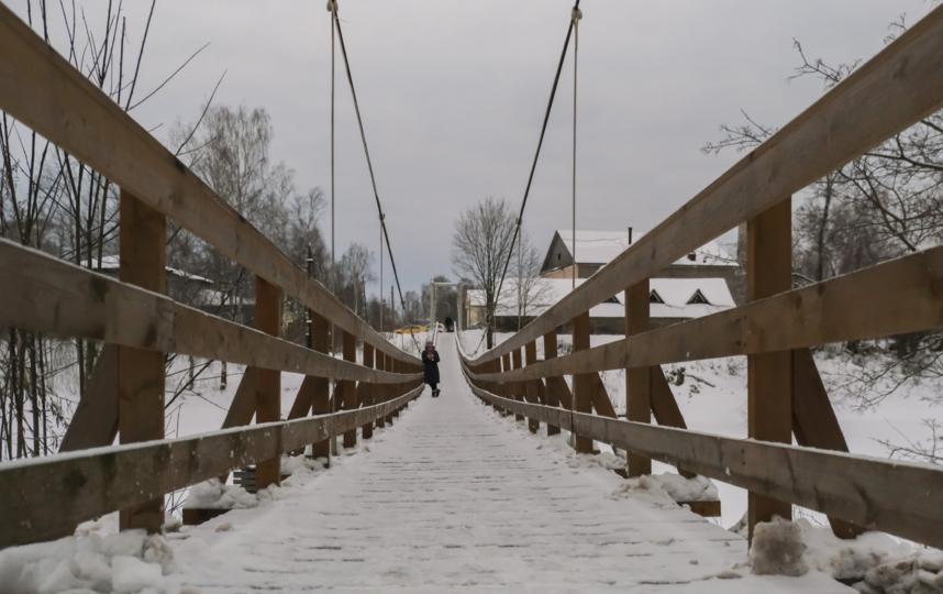"""На остров Мариам ведут несколько деревянных мостов. Фото Алена Бобрович, """"Metro"""""""