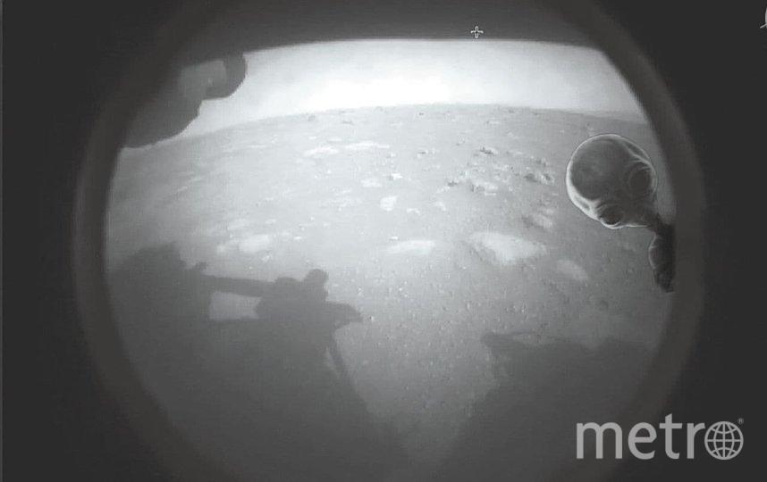"""""""Perseverance не вышли встречать марсиане... А жаль. Это могло бы выглядеть так"""". Фото twitter, @lauryn_chrp."""