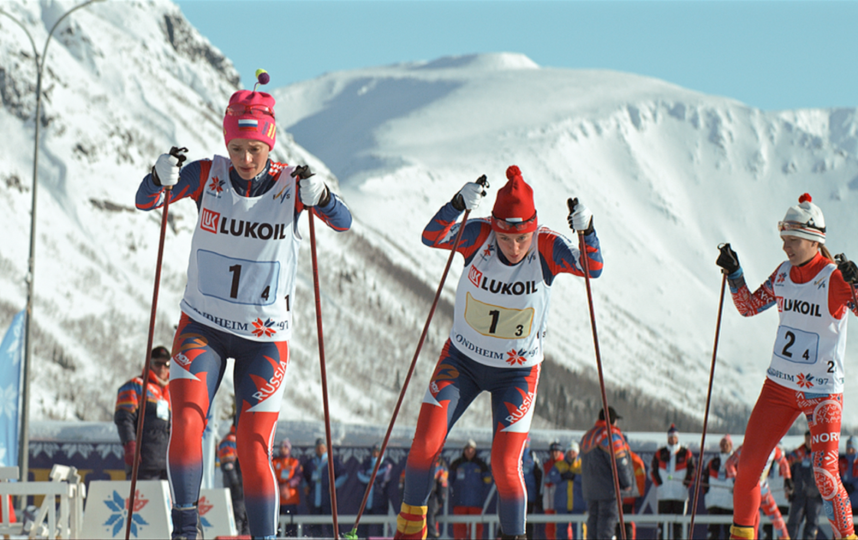 Значительная часть фильма посвящена чемпионату мира 1997 года, где Елена Вяльбе добилась уникального достижения – победила во всех пяти гонках. Фото кадр из фильма