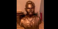 В Петербурге украли памятник рэперу Моргенштерну: почему он и недели не простоял на своем месте