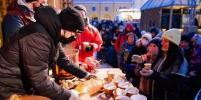 Медовые рёбрышки, сирень и гадания на таро: 3 фестиваля выходных в Петербурге