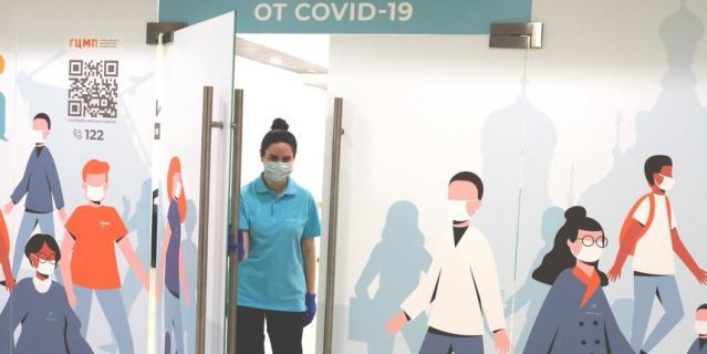 В Петербурге работают 129 прививочных пунктов.
