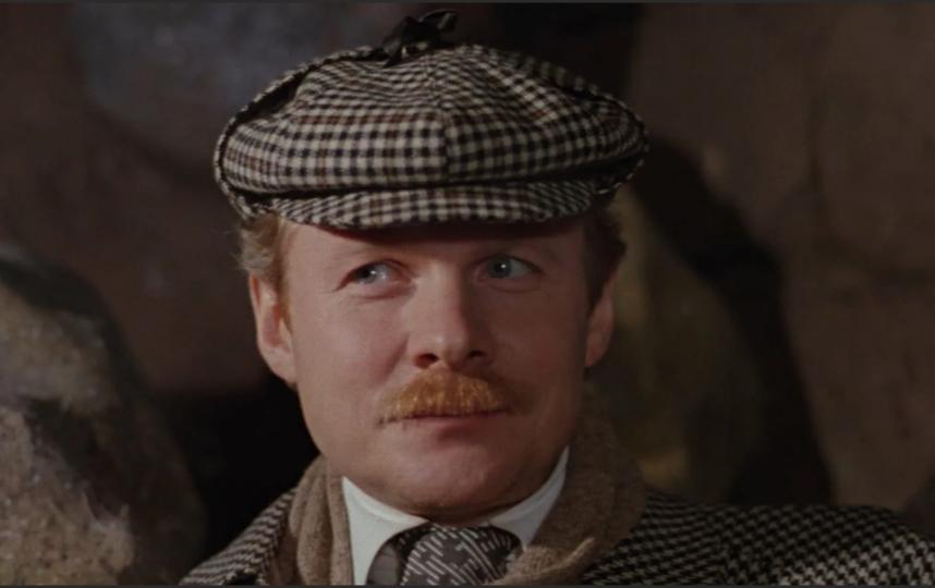 Доктор Ватсон всегда вежлив, тактичен и учтив – настоящий джентльмен. Фото Кадр из фильма