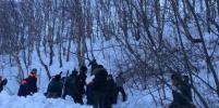 Снежная лавина сошла около школы на Камчатке. Что там сейчас происходит