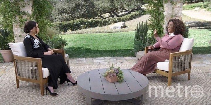 Скриншот видео: Гарри и Меган дают интервью Опре Уинфри.