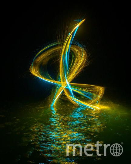 Все фотографии вырастают из одной маленькой светящейся точки. Фото предоставлено героем материала