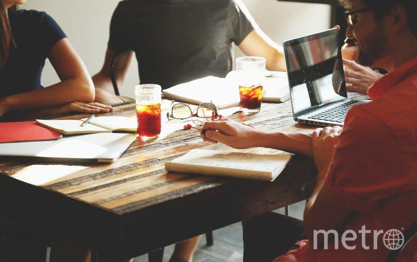 Не создавайте трудоголику проблем и ситуаций, от которых ему захочется скрыться в привычной рабочей среде. Фото pixabay.com