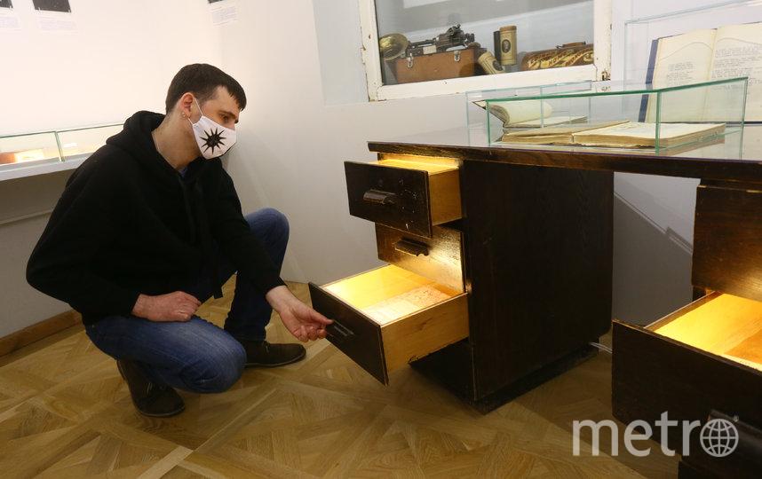 В этом ящике умещался весь архив Осипа Мандельштама, оставшийся после его смерти. Фото Василий Кузьмичёнок