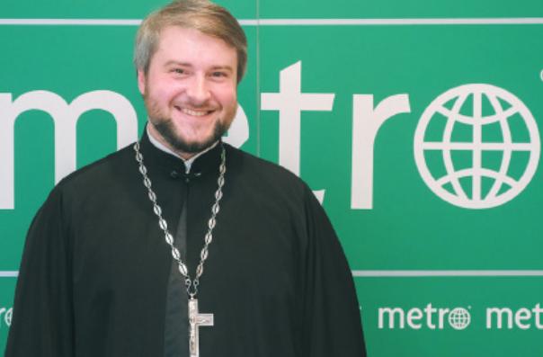 Священник Троицкого Измайловского собора Сергий Кубышкин. Фото Алена Бобрович.