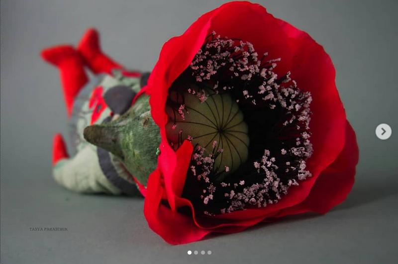 В работе мастер использует преимущественно плюш, но может и комбинировать ткани. Фото www.instagram.com@smallplushjoy