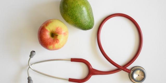 Правильное питание поможет снизить вес.