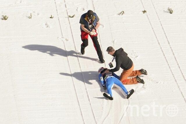 После неудачного приземления олимпийский чемпион потерял сознание и сломал ключицу. Фото © Newspix.pl / Tomasz Markowski.