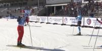 На чемпионате России лыжники устроили битву лыжами и палками после финиша. Кто победил