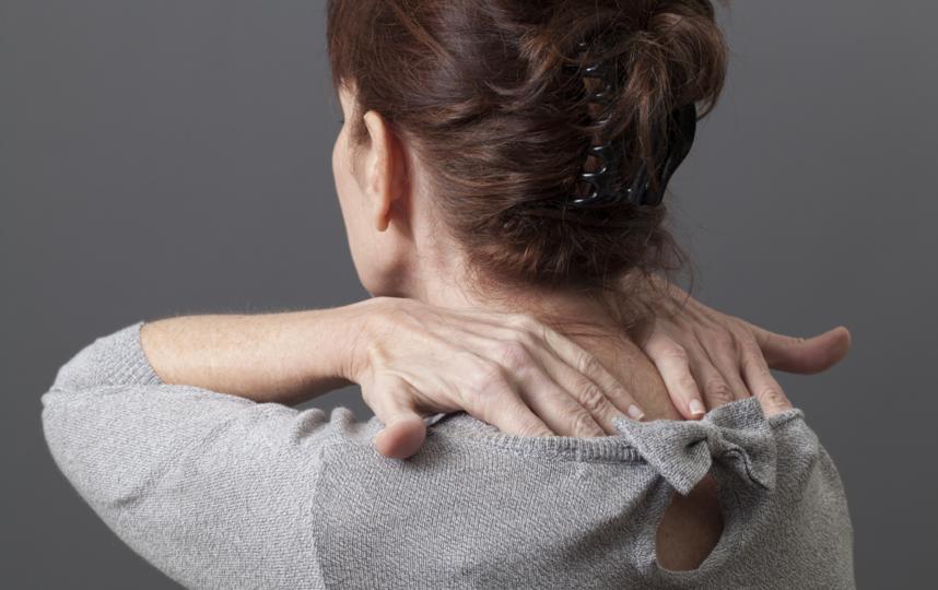 Если самомассаж вызывает неприятные ощущения, лучше остановитесь и обратитесь за помощью к врачу. Фото ISTOK
