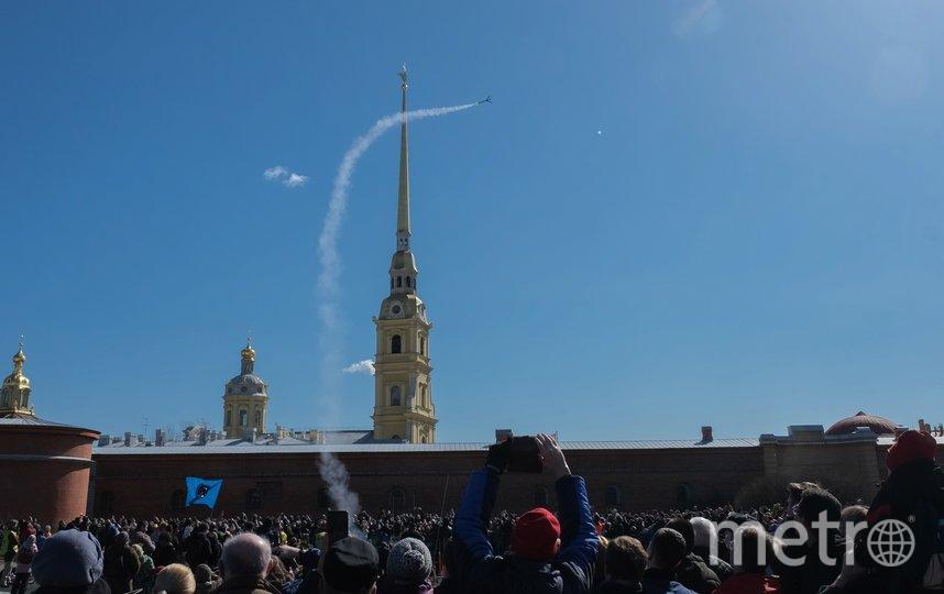 На Вертолетной площадке на Заячьем острове прошли показательные старты моделей ракет. Фото Алена Бобрович.