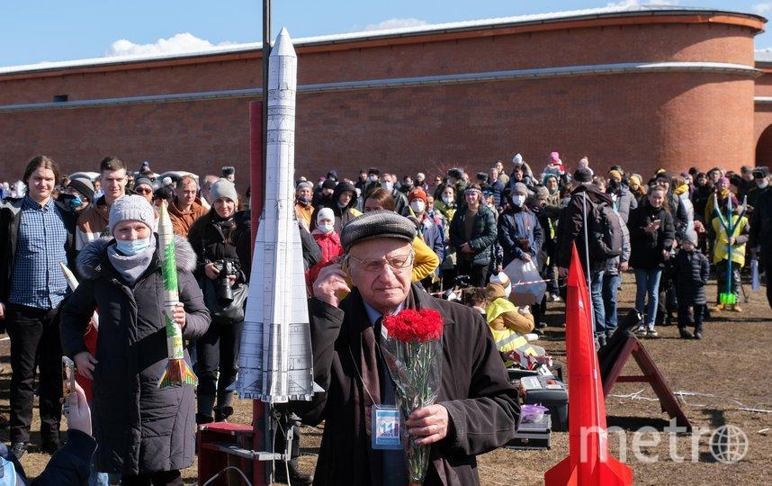 Владимир Краскин на показательных стартах моделей ракет. Фото Алена Бобрович.