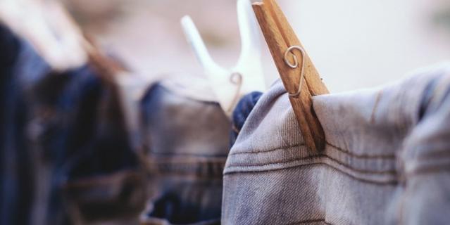 В Петербурге разработали материал, нанося который одежда будет самоочищаться.