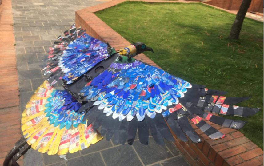 Экологи создали из мусора произведения искусства. Фото предоставлено организацией Сагарматха Next