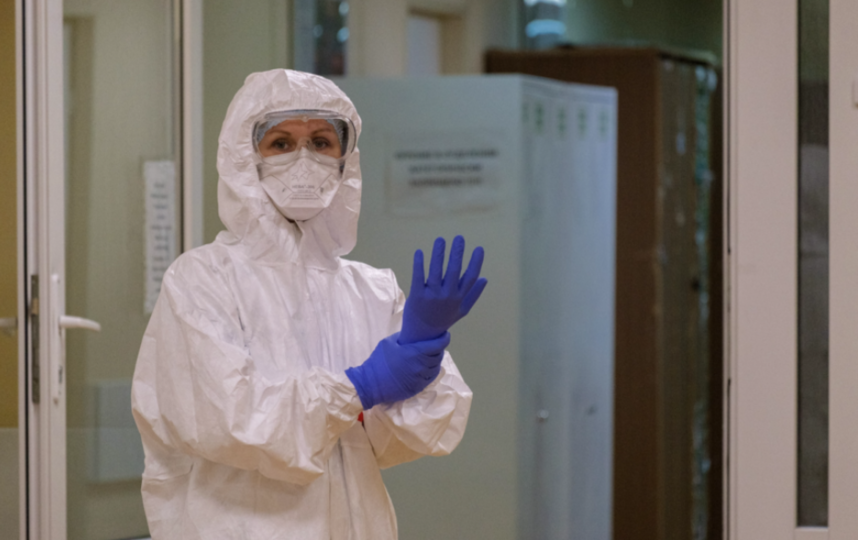 """Показанием к использованию является необходимость оценки развития антительного иммунитета у больных COVID-19 в процессе терапевтических мероприятий. Фото Алена Бобрович, """"Metro"""""""