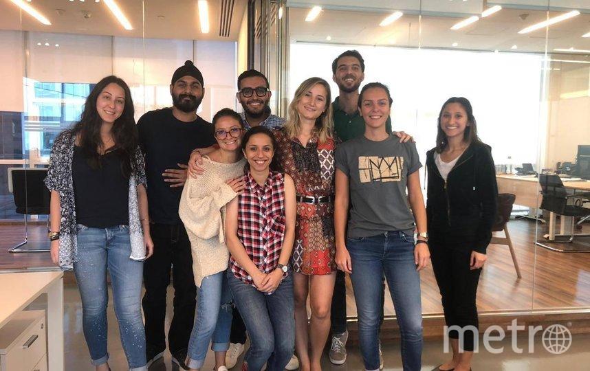 Варвара (в центре) вместе с коллегами. Фото предоставлено Варварой Конопасевич