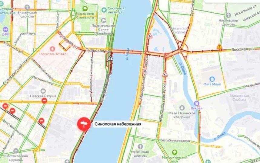 """В Петербурге прогнозируют 7-балльные пробки. Фото скриншот сервиса """"Яндекс.Пробки""""."""