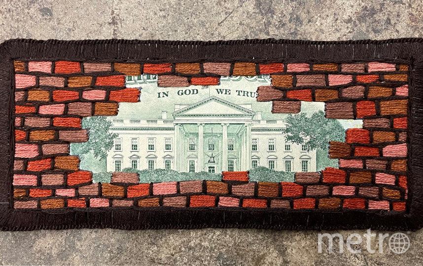 Доллары стали политическим символом. Фото Metro World News