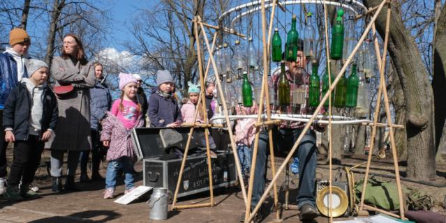 Дети считают Фёдора Григорьева волшебником.