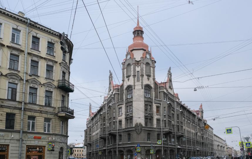 """Сейчас это здание называют """"Дом со шпилем"""". Фото Алена Бобрович, """"Metro"""""""