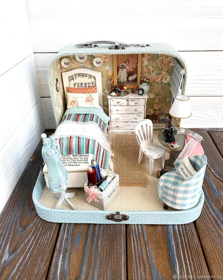 """""""Комната модистки. Мебель можно переставлять, как вам нравится"""". Фото Instagram: @olgamokriskaya"""