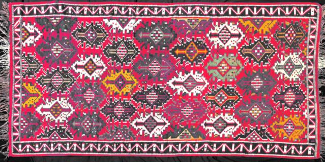 Азербайджанский ковёр – один из экспонатов выставки.