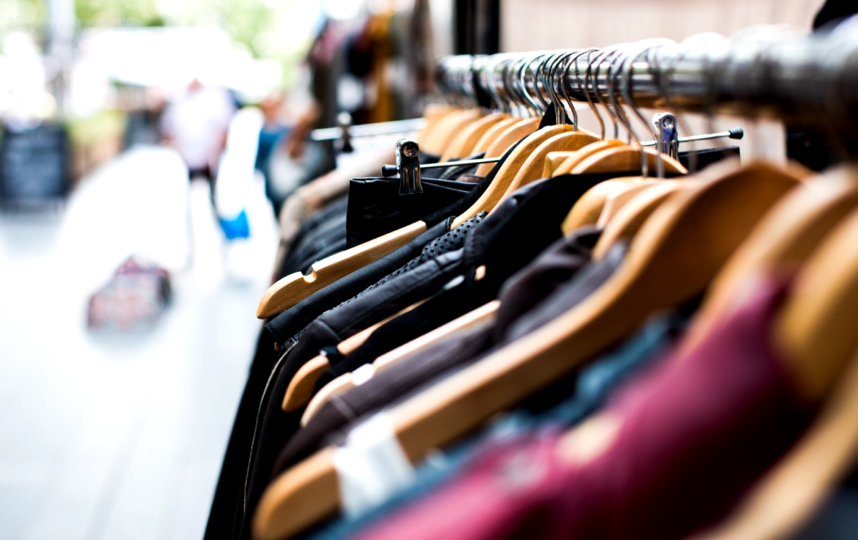 Чарити шоп или секонд хенд. Фото Pixabay