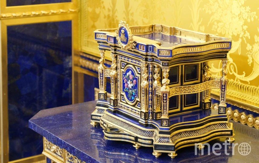 """Для реставрации Лионского Зала Екатерининского дворца понадобилось 2,5 тонн лазурита. Фото Алена Бобрович., """"Metro"""""""