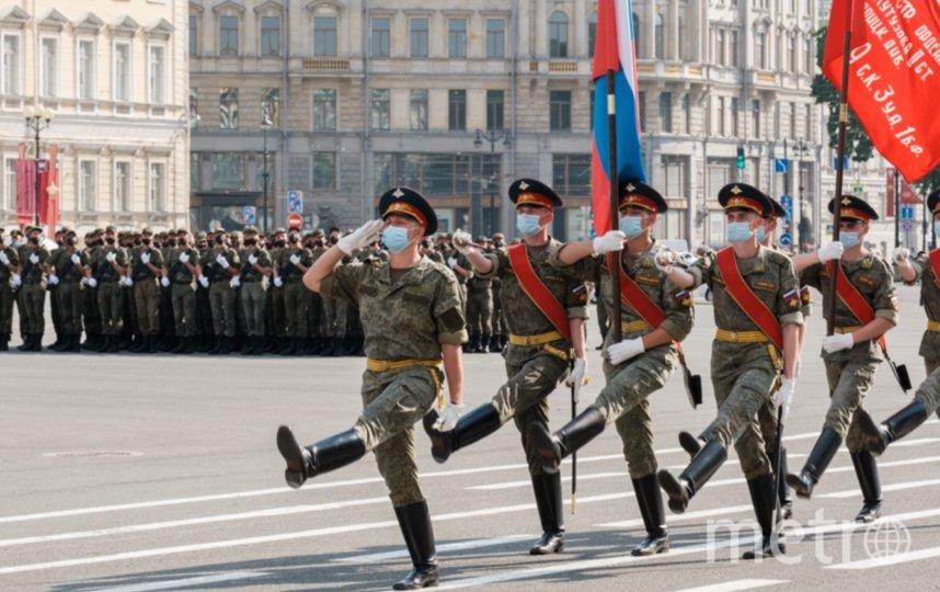В военном параде 9 мая примут участие больше 4 тысяч человек. Фото Metro.
