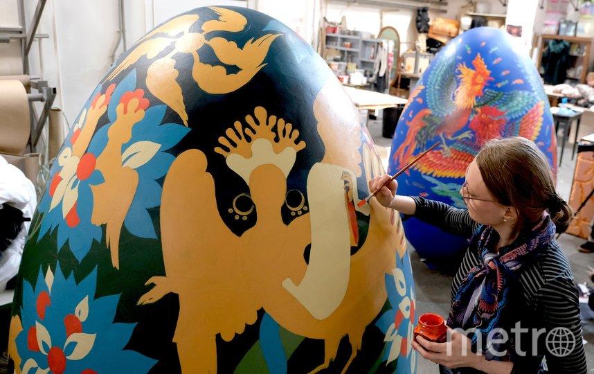 """Светлана Бойко работает акриловыми красками. Фото Алена Бобрович., """"Metro"""""""