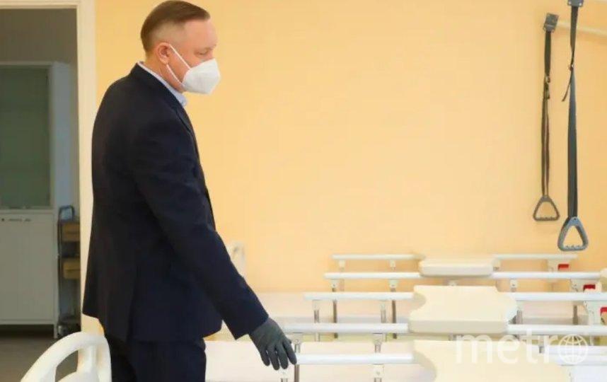 Губернатор Петербурга продлил COVID-запреты до конца мая. Фото gov.spb.ru.